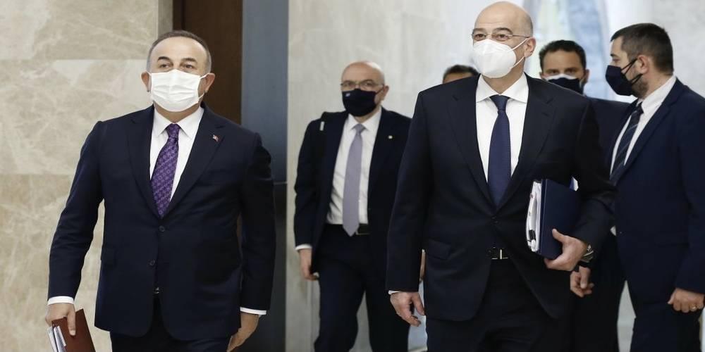 Dışişleri Bakanı Mevlüt Çavuşoğlu, Yunan mevkidaşı Dendias ile basın toplantısı düzenlidi: 'Provokatif söylemlerden uzak durulmalıdır'