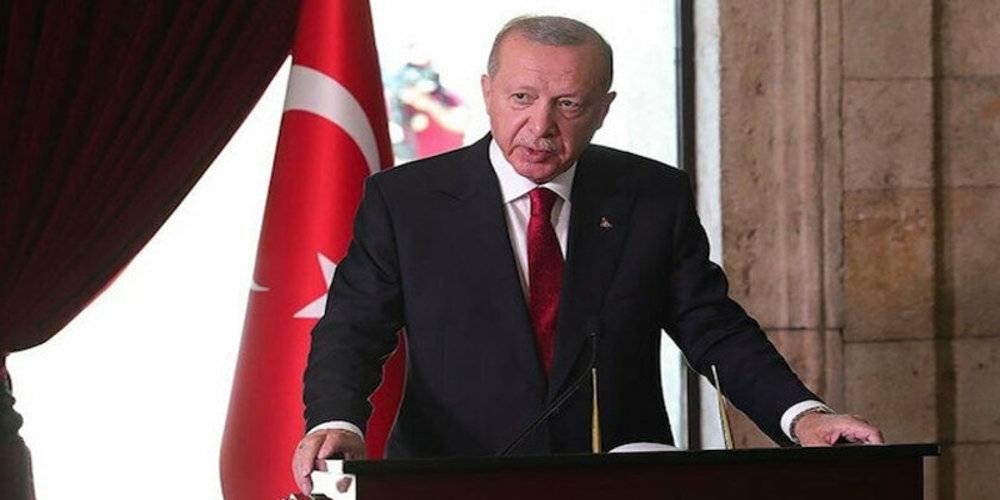 Cumhurbaşkanı Erdoğan'dan Anıtkabir'de kritik mesajlar: Türkiye tehdit, yıldırma ve şantaj diline boyun eğmeyecek