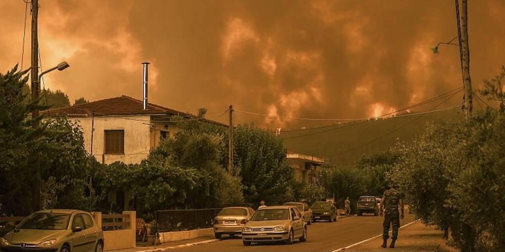 Yunanistan'da orman yangınları kontrol altına alınamıyor; Almanya, itfaiye ekibi gönderdi