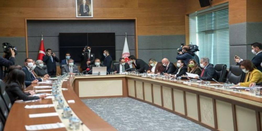 Meclis'te 'hukuk reformu' oturumu: Bakan Gül muhalefetin önerilerini topladı