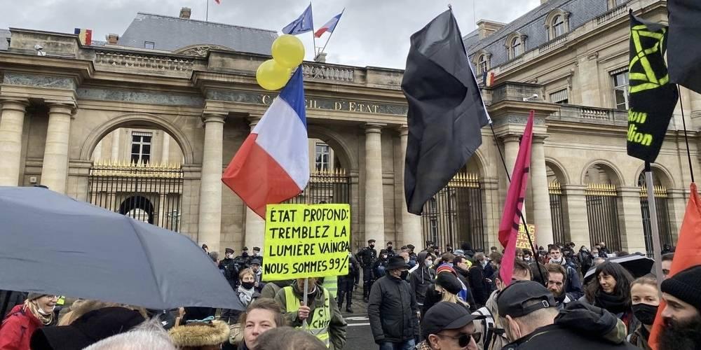 Sarı yelekliler yine sokakta... Fransızlar Macron'u istemiyor!