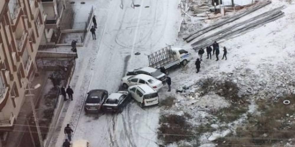 CHP'li yönetimin Ankara'ya birkaç saatlik maliyeti: Yaklaşık 200 kazada 400 araç hasar gördü