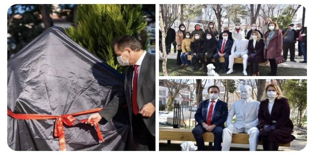 Bilecik Belediye Başkanı Semih Şahin, Atatürk ve Çocuklar heykelinin ardından Atatürk ve köpeği Foks'un heykelinin açılışını yaptı