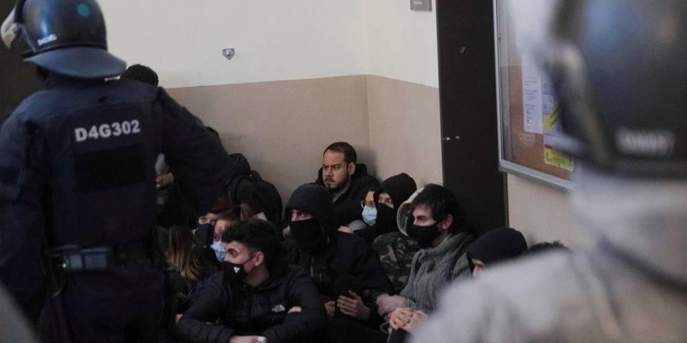 Terör propagandası yapıp rektörlük binasını işgal ettiler