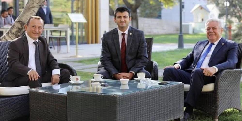 CHP'li 3 milletvekili partiden istifa etti