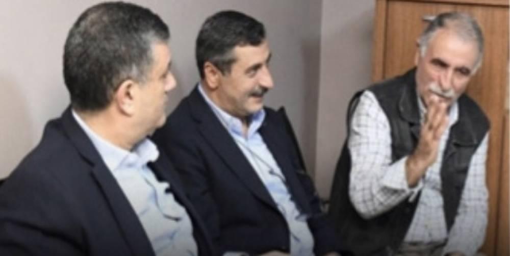 CHP'li Belediye Başkanı Kemal Deniz Bozkurt, terör paçavralarının duvarlarını süslediği HDP Esenyurt binasını ziyaret etti