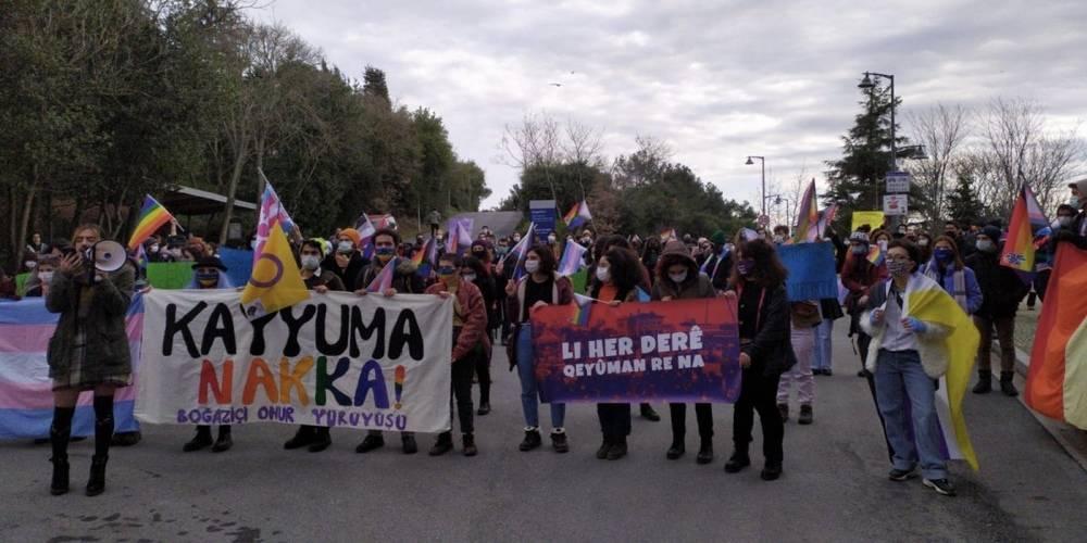 Boğaziçi Üniversitesi'nde devam eden provokatif eylemlere LGBT üyeleri yürüyüş yaparak destek verdi