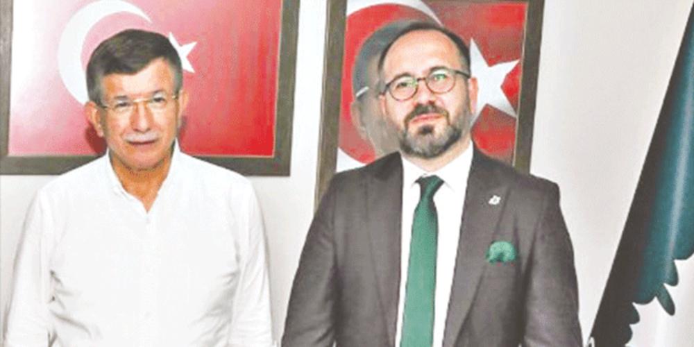 Ahmet Davutoğlu'nun kurduğu Gelecek Partisi'nde büyük rezalet! Genç kadınlarla internet üzerinden uygunsuz ilişki…