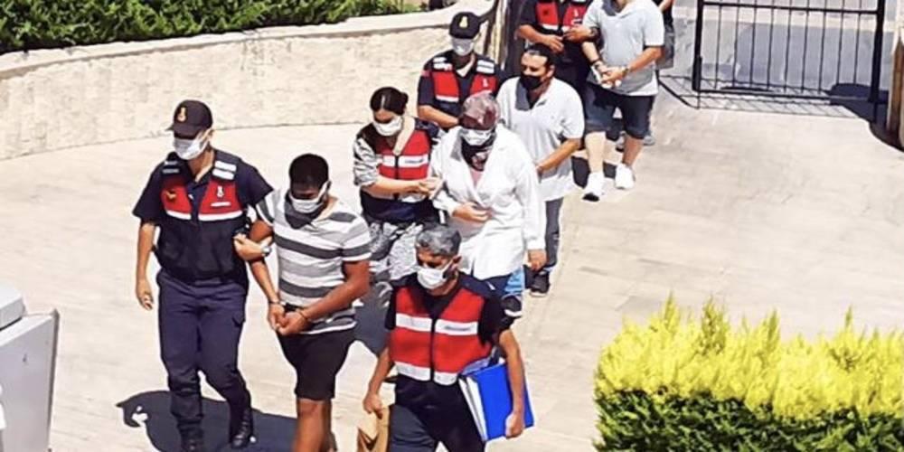 Muğla'nın Marmaris ilçesinde MİT ve Jandarma'dan operasyon: Yunanistan'ın Simi Adası'na motor yatla kaçmaya çalışan 3 FETÖ şüphelisi ile 4 organizatör yakalandı