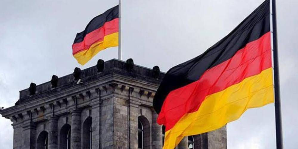 Almanya'da, terör örgütü PKK'ya destek olmak için Erbil'e gitmek isteyen grubun ülkeden çıkışına izin verilmedi