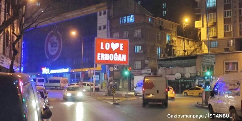 FETÖ'cülere İstanbul'dan anlamlı mesaj: Love Erdoğan