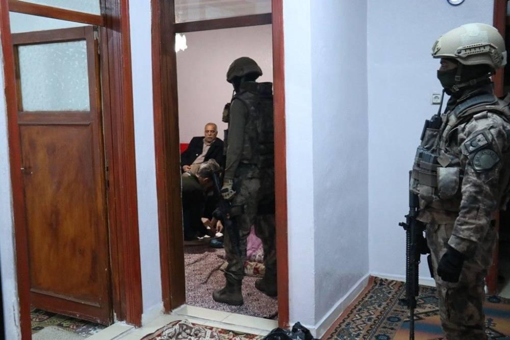 Gaziantep HDP'ye 500 polisle KCK operasyonu!