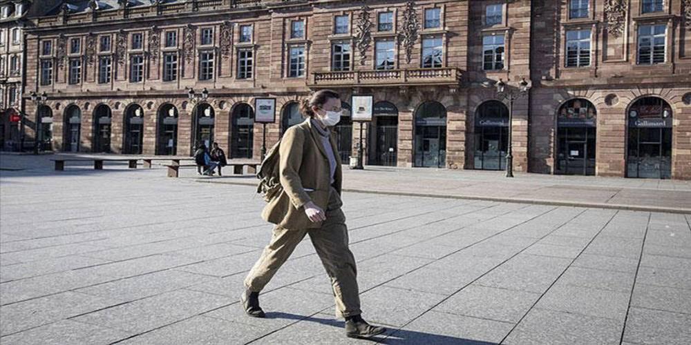 Fransa'da yeni tip koronavirüs (Kovid-19) salgınında son 24 saatte 35 bin 879 vaka tespit edildi