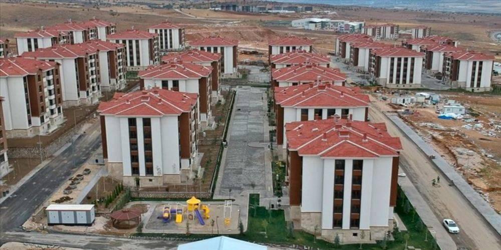 Elazığlı depremzedeler yeni yıla depreme dayanıklı yeni evlerinde girecek