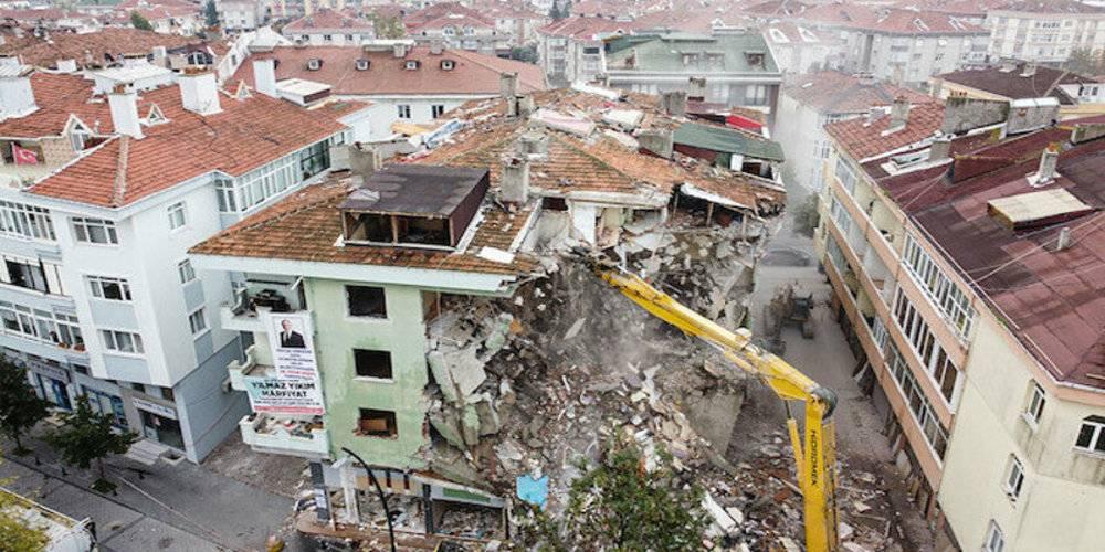 İzmir'de artçı deprem korkusu: Binlerce bina risk altında