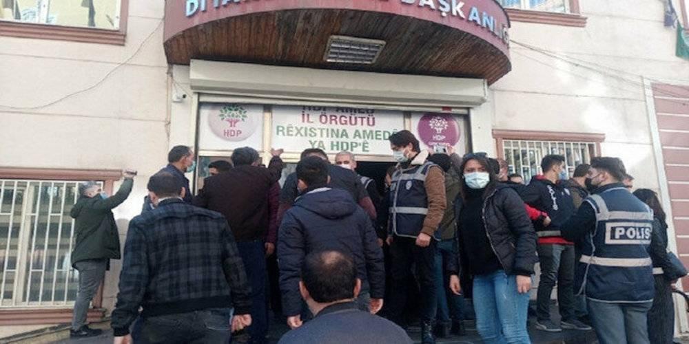 HDP'lilerden evlat nöbeti tutan ailelere ahlaksız hakaret