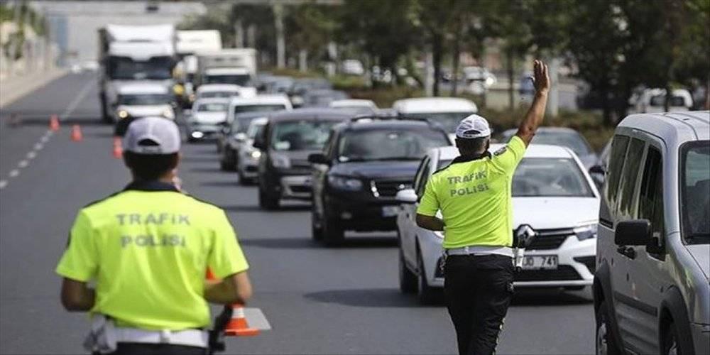 Koronavirüs denetimlerinde 991 araç trafikten, 107 iş yeri faaliyetten men edildi
