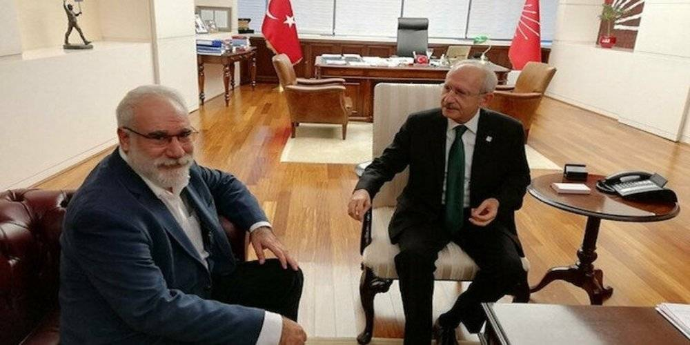 CHP'li yandaş gazeteci İzmir'deki depremi AK Parti'ye bağladı