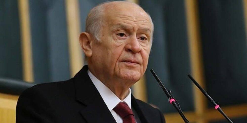 """Devlet Bahçeli'den laiklik tartışmalarına sert tepki: """"Ne dine laf söyletir ne de Cumhuriyet'in laiklik sütununu kırdırırız"""""""