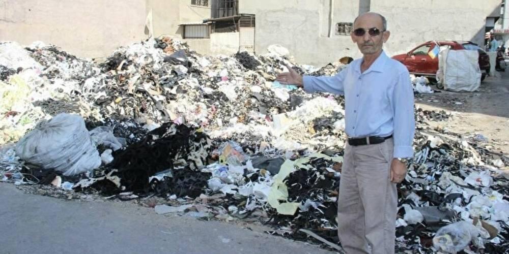 İzmirliler çöp içinde yaşıyor Bornova'da boş araziye yığılan çöplerden esnaf şikayetçi